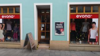 Prodejna Moravská Třebová pohled na výlohy